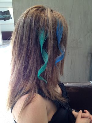 How long does chalking your hair last